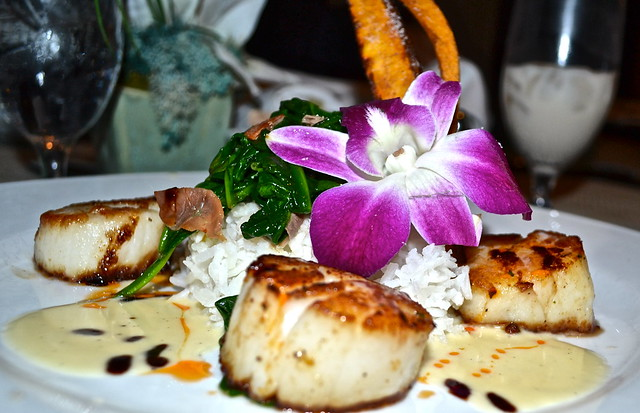 Jupiter Beach Resort, Sinclairs Restaurant - Florida scallop dish