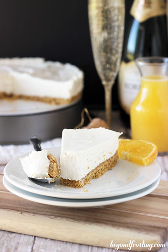No-Bake White Chocolate Mimosa Cheesecake | beyondfrosting.com | #mimosa #champagne #NYE