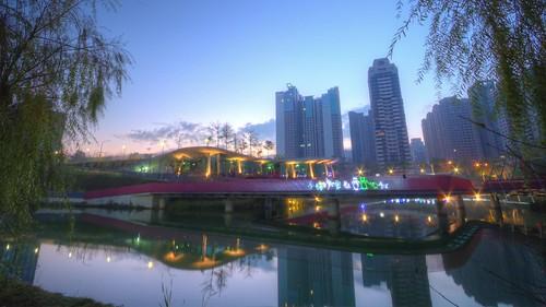 lake sunrise geotagged timelapse taiwan taichung hdr 湖 日出 tonemapping 台中市 西屯區 xitun 縮時攝影 秋紅谷廣場 20140203 geo:lat=24167344 geo:lon=120638588