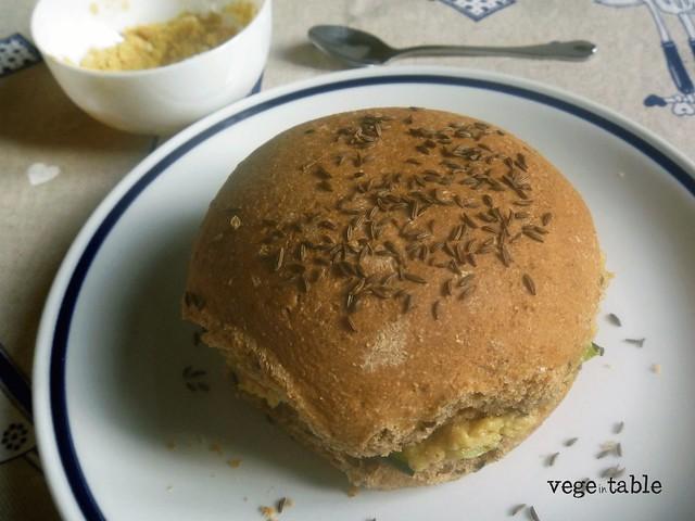 ricetta vegana, panino vegano, panino con zucchine