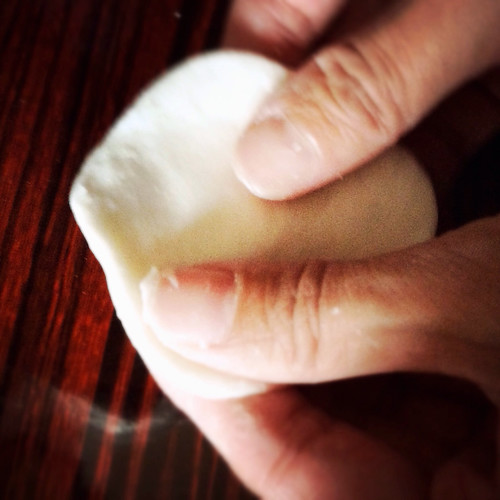 how to wrap tong yuan, how to make tong yuan, chinese, chinese new year, tong yuan, rice dumpling, black sesame, sweet rice dumpling, sweet, recipe, how to make, how to wrap, homemade
