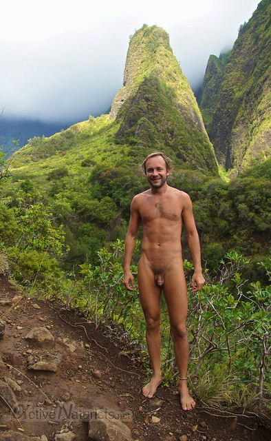 naturist 0000 Iao valley, Maui, Hawaii, USA