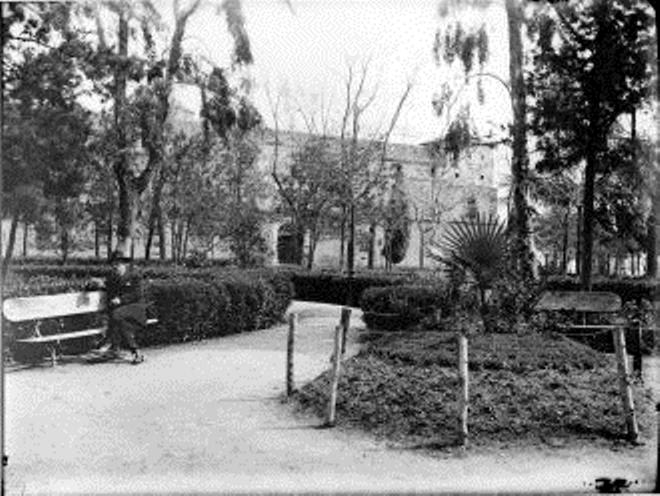 Paseo de Merchán hacia 1900 © FondoRodríguez. Archivo Histórico Provincial. JCCM. Signatura Album1-033
