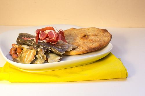 Artischocken Bohnen Forellen Salat