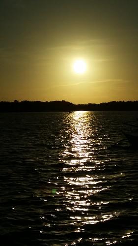 ocean camera sunset sky beach set happy photography boat darkness dreams sunrays purpose seashore samsungphotography flickrandroidapp:filter=none barualtesanjuanbatangas