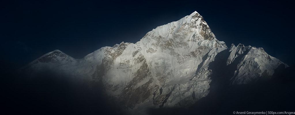 Misty mountains: Everest and Nuptse peaks