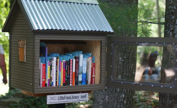 Esperanza Center Joins Little Free Library Movement