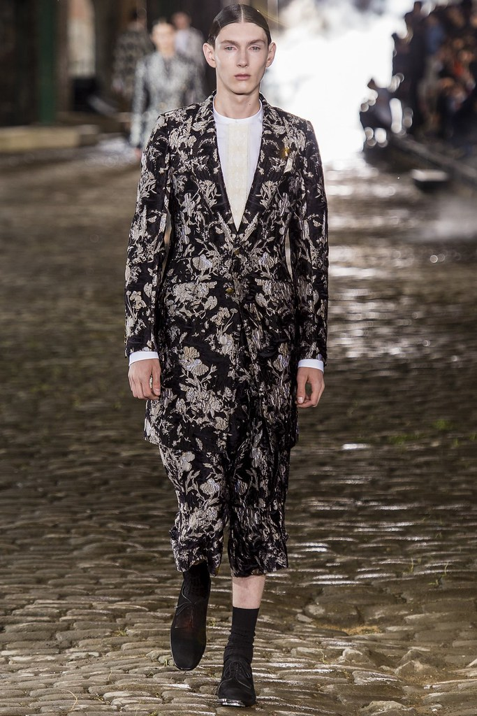 SS14 London Alexander McQueen022_Oliver Twelftree(vogue.co.uk)