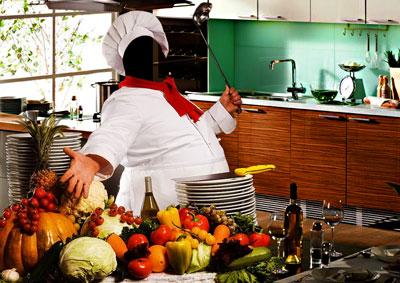 повар на кухне