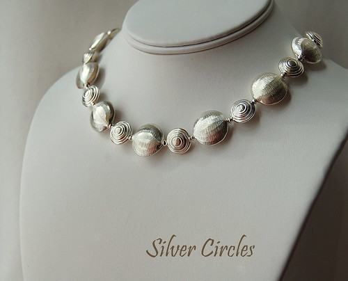 Silver Circles Necklace by gemwaithnia