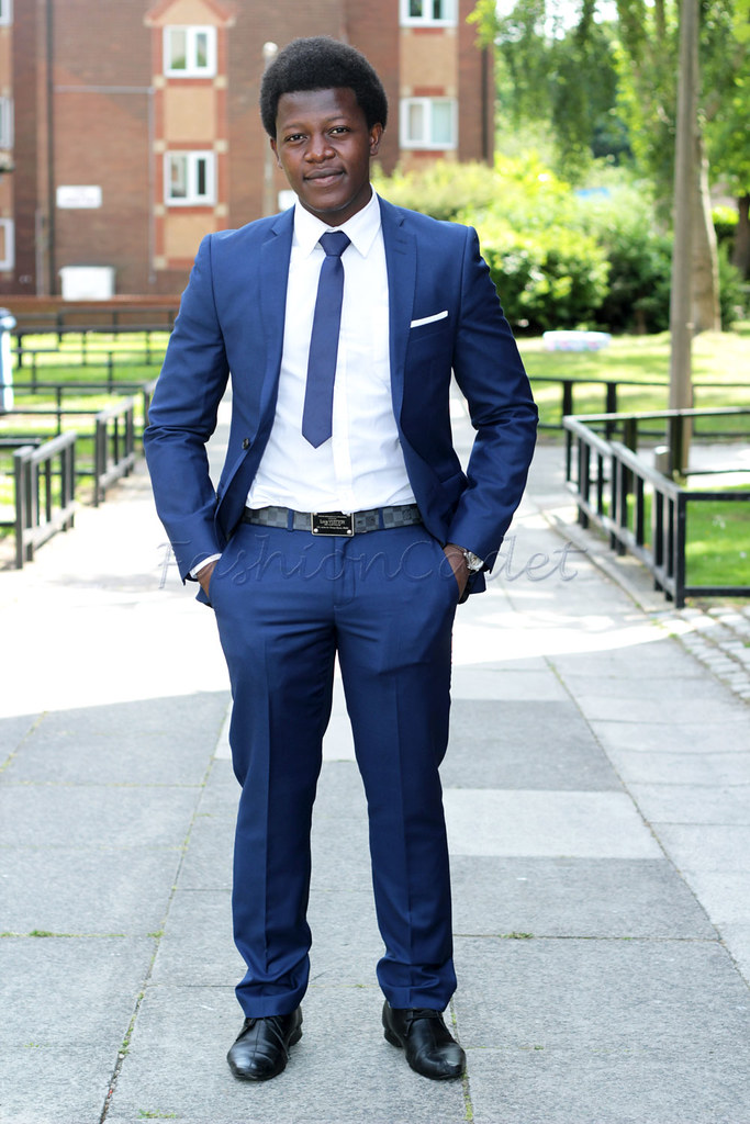 Men's Navy blue suit with a white shirt and necktie: Men's style