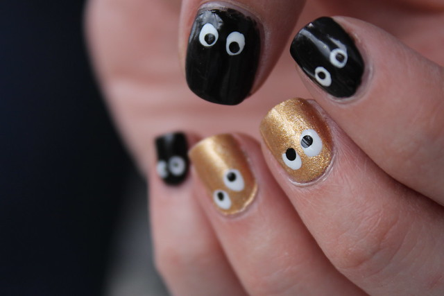 Living After Midnite: mark. Halloween Nails