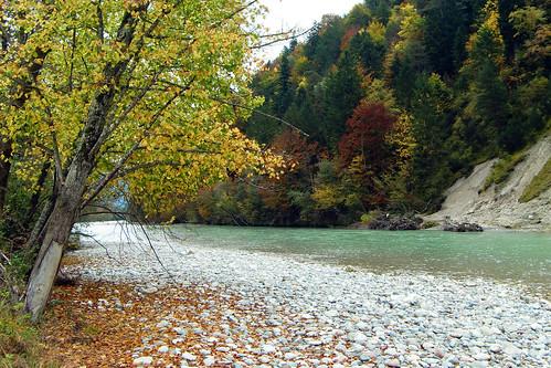 Tiroler Ache Achen Schleching Gebirgsfluss Kieselbänke Kieselsteine bunt