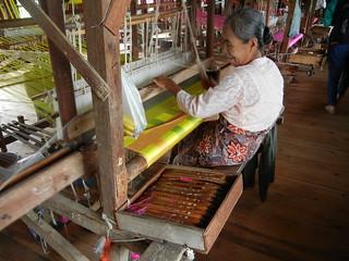 Inle-silk weaver