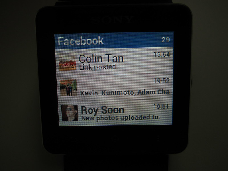 Sony SmartWatch 2 - Facebook App