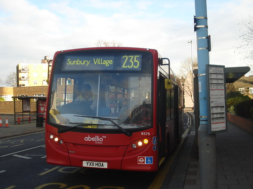 Abellio 8575 on Route 235, Brentford County Court