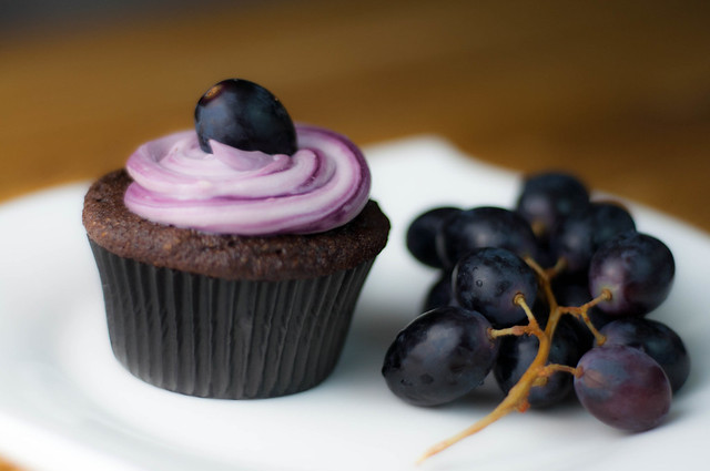 red wine chocolate quinoa cupcakes