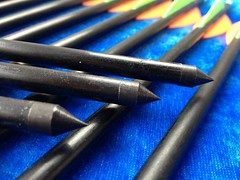"24pcs 32"" Fiberglass arrows for sale - Arrows, Vanes, broadheads and arrow building components"