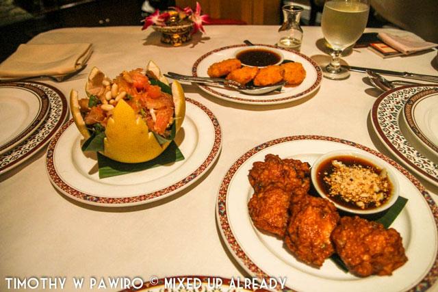 Philippines - Manila - Dusit Thani Manila - Benjarong Thai restaurant - Pomelo salad, shrimp cake, and fish cake