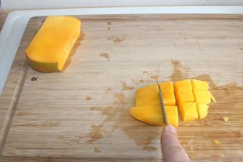 14 - Mango würfeln / Dice mango