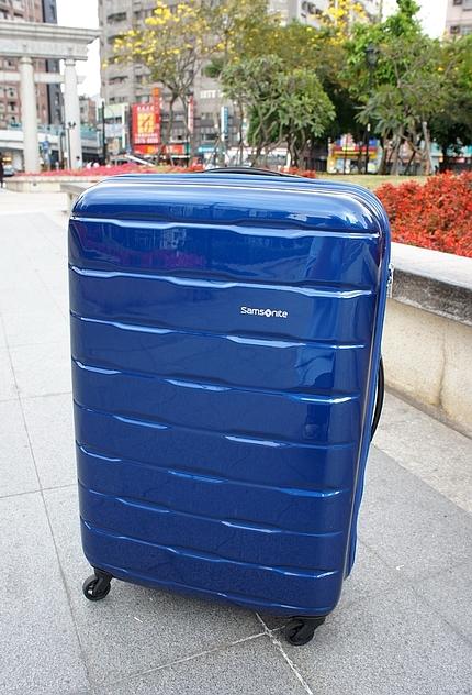 新秀麗行李箱22