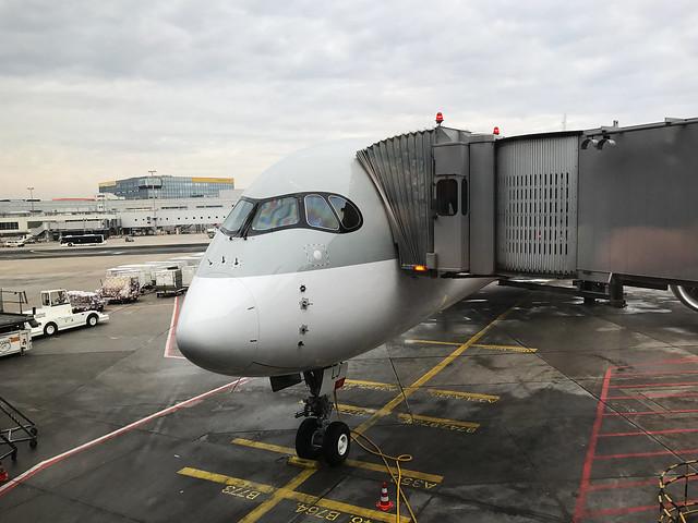 Flughafen mit Flugzeug FRA Frankfurt