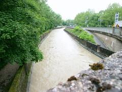 Trostberg-Hochwasser-Alzkanal-Juni 2013 -Kanal von der Stadtbrücke aus gesehen