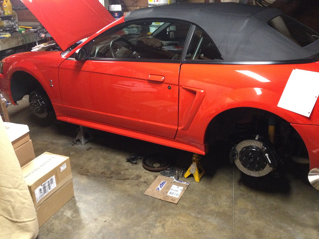 Installed 4 piston brembo calipers on the rear end of my 2001 cobra