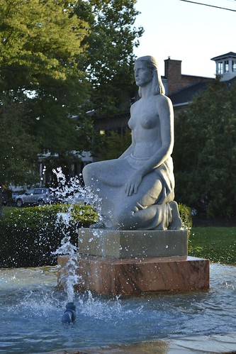 Pulteney Park statue v. 3 by Michael Tinkler