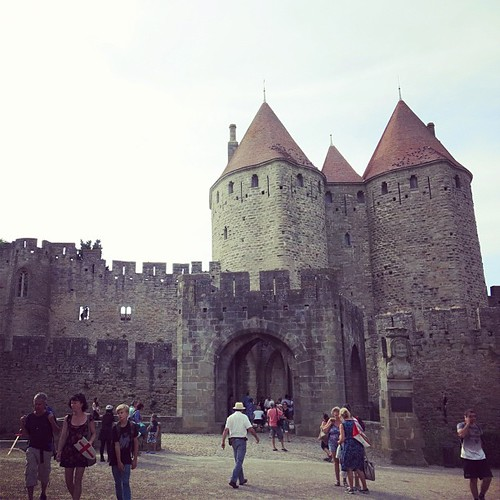 DAY 45: Stayed at youth hostel inside of the castle for 23€ including nice breakfast in Carcassonne last night ♡ 昨日はお城の中にあるユースホステルに泊まれて超興奮♡