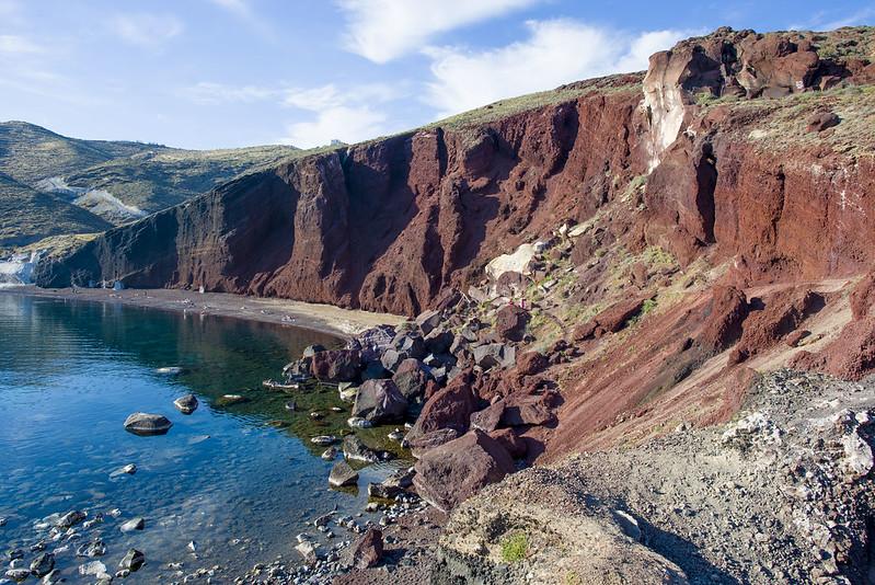 Santorini - Red cliffs