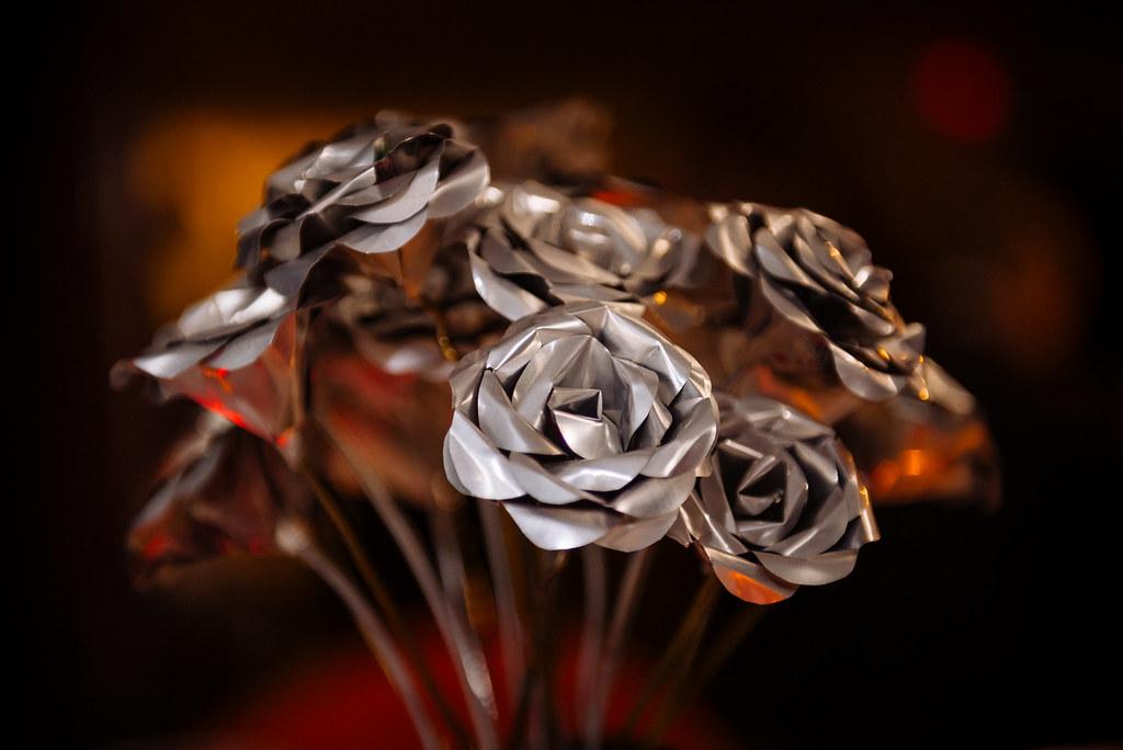 Aluminium can roses