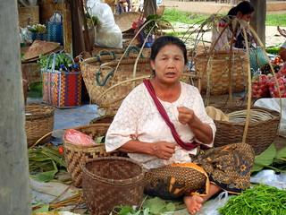 Kaungdain Market vendor