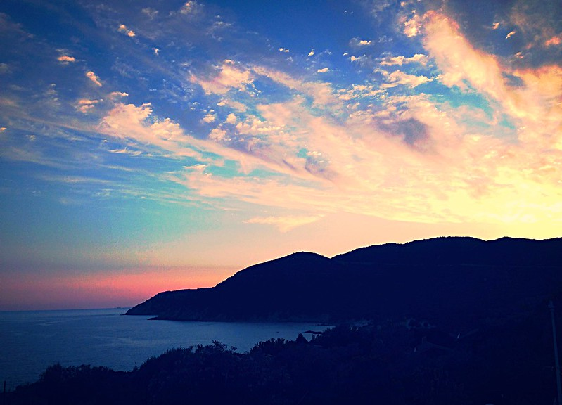 Vista mare al tramonto