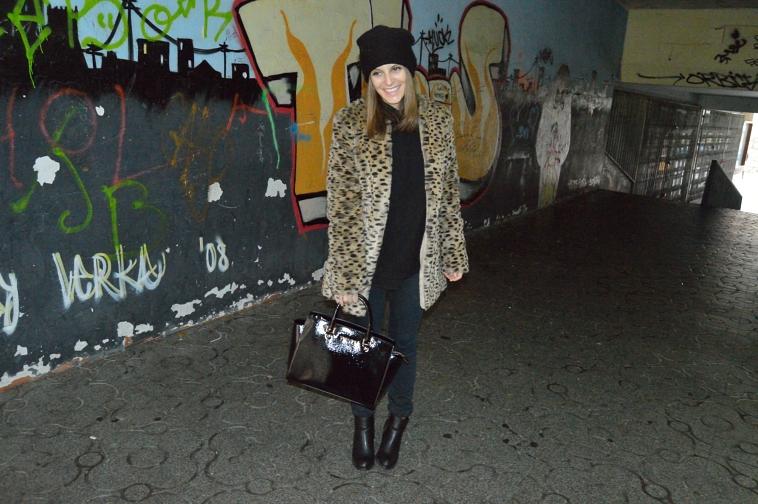 Lara-vazquez-madlula-leo-coat-fashion-abrigo-leopardo