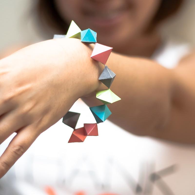 วิธีทำของเล่นโมเดลกระดาษทรงเรขาคณิต 011