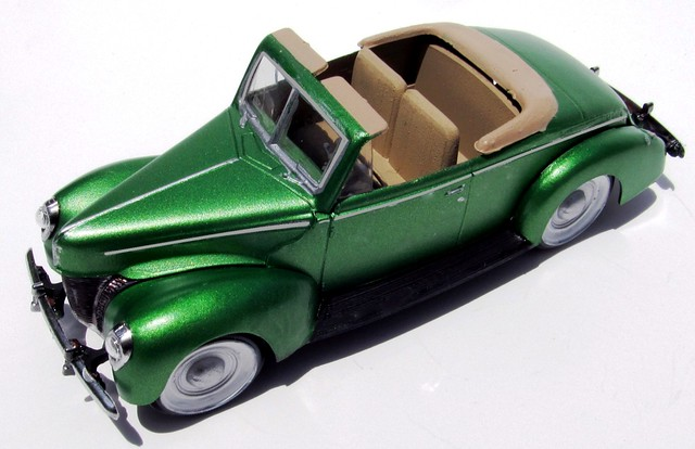 3 & 1940 Ford Convertible 1:32 Scale Lindberg Model Kit #HL119 Review ... markmcfarlin.com