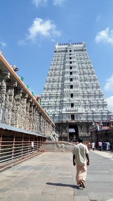 The Raja gopuram and The Thousand Pillared Mahal