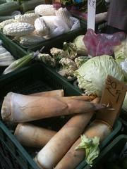 台灣七成五民眾習慣到傳統市場買菜,綠色和平抽檢卻發現農藥殘留高達五成。