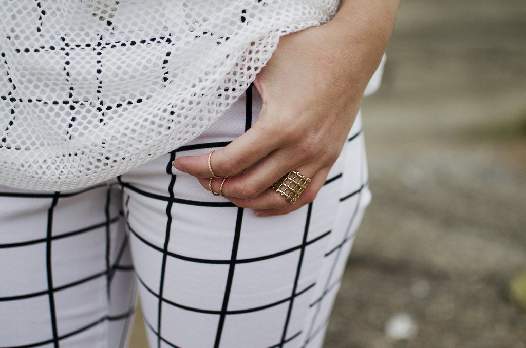 delicate gold rings, knuckle rings, how to stack rings, check print pants, mesh tee, san francisco fashion, fashion blog
