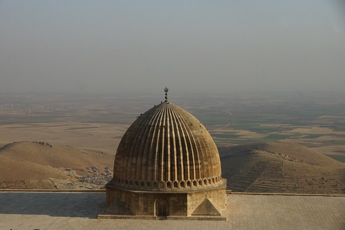 Back in Mardin - looking across the Mespotamian plain towards Syria by CharlesFred