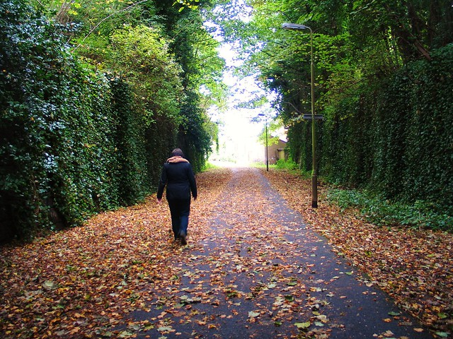 Pinterest-y photo of my sister on the Goldenacre Path