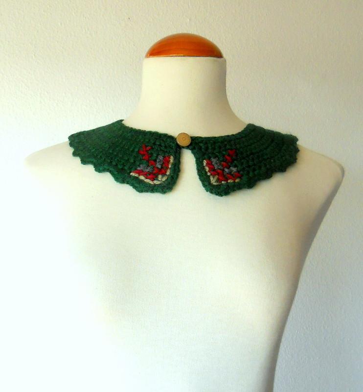 Cuello tejido y bordado , verde botella