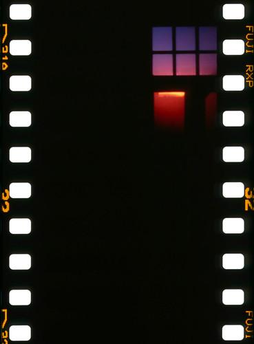 morning film window sunrise münchen bayern iso400 slide scan pinhole 35mmfilm fujifilm pinholecamera analogue tyskland provia sharan sprocketholes 2013 rxp epsonperfectionv700 digitalizascanningmask