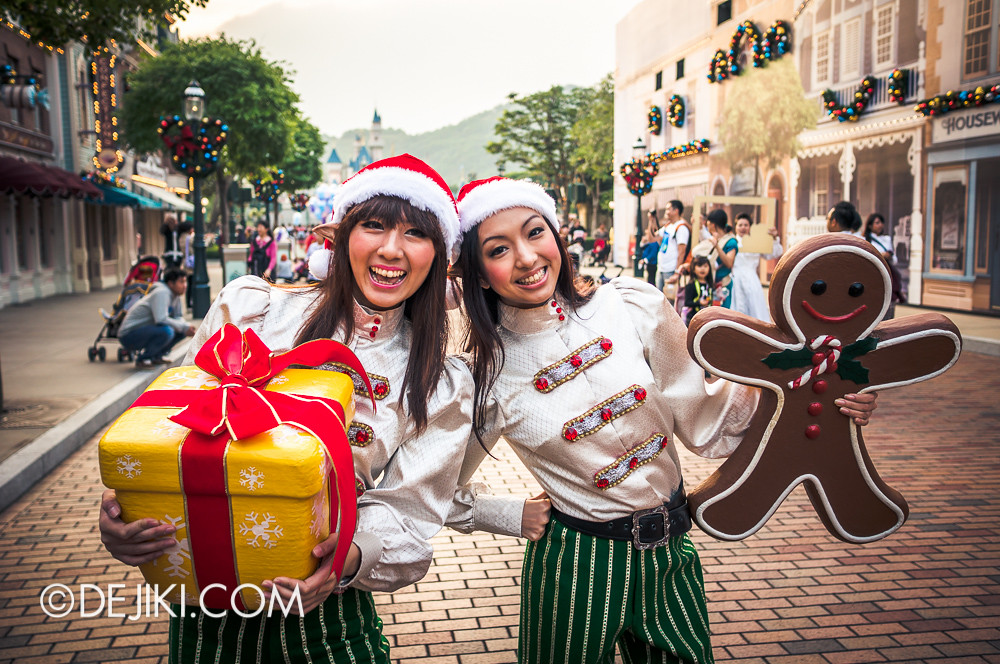 HKDL - Main Street USA Christmas Town - Elves 2