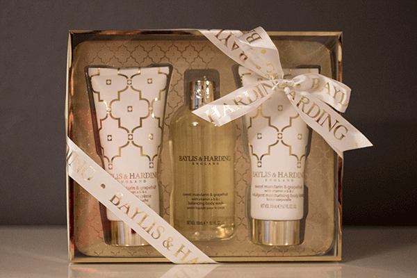 Baylis and Harding Sweet Mandarin and Grapefruit - 3 Piece Gift Set
