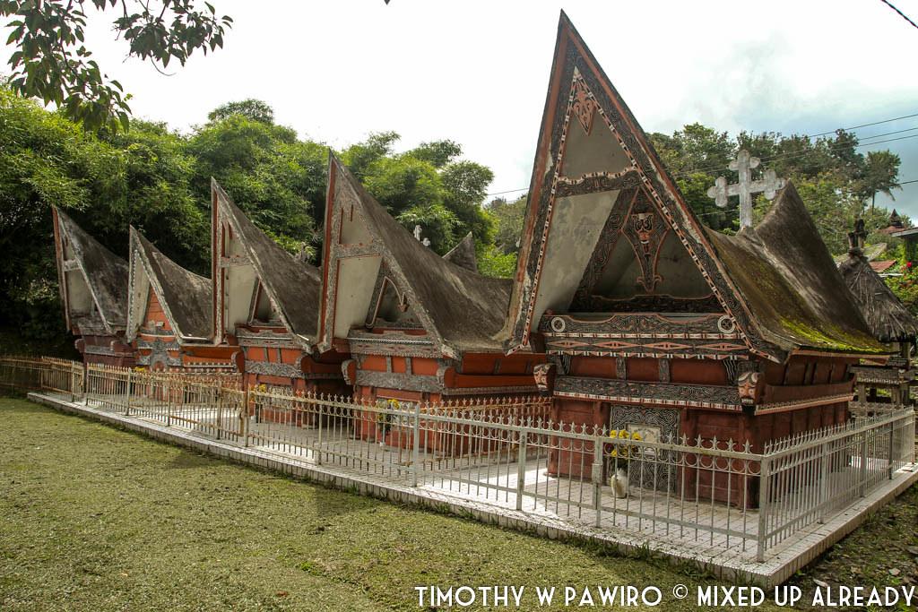 Indonesia - Medan - Museum Huta Bolon Simanindo - Tomb