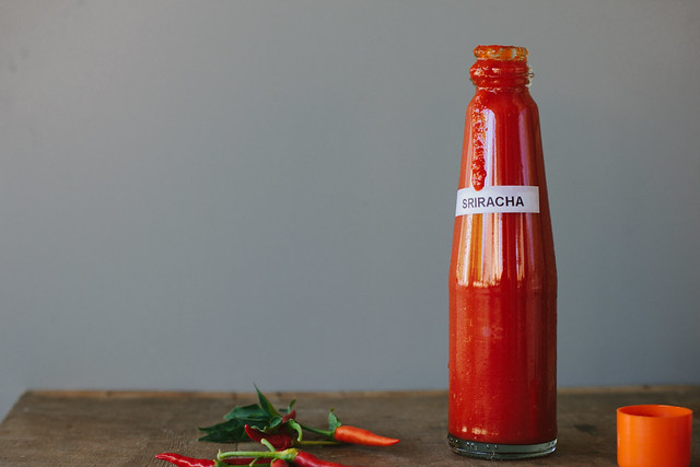 homemade sriracha (raw + fermented