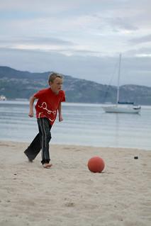 Image de Oriental Beach près de Wellington. newzealand sports soccer naturallight wellington orientalparade wellingtonnewzealand beachfootball landscapephotography capitalofcool