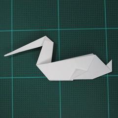 การพับกระดาษเป็นนกกระสา (Origami Pelican) 012